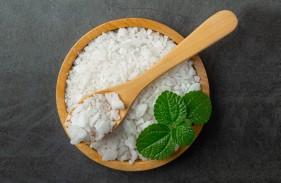 salt-wooden-small-plate